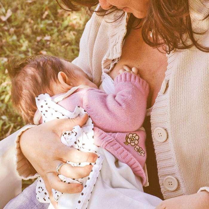 Anne Sütü Çocukları Daha Mutlu Yapar mı?