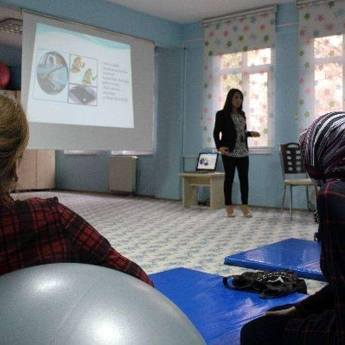 Anne Adaylarına 'Gebe Okulu'nda Gebelik ve Doğum Sonrası Eğitim
