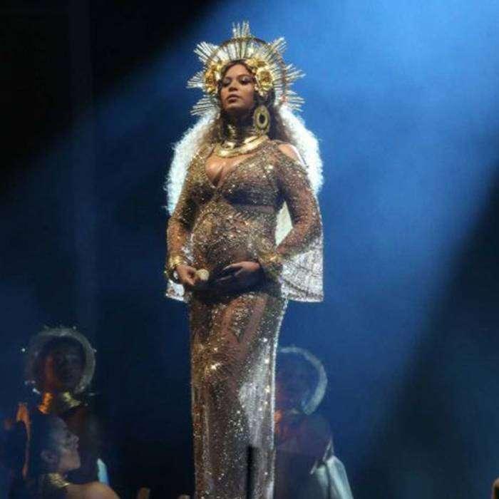Sahneye Gebe Olarak Çıkan Beyonce Büyük Alkış Aldı
