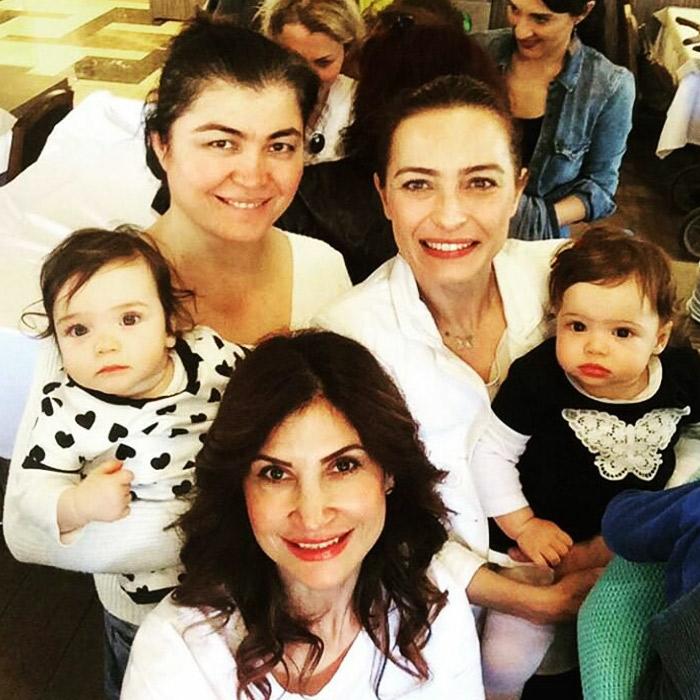 Ayça Bingöl İkiz Bebekleriyle Doğum Günü Partisine Katıldı