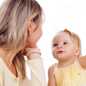 Bebeklerin Konuşurken Öğreneceği