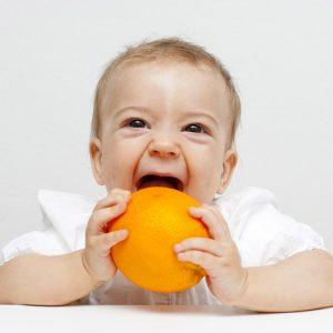 En Eğlenceli Halleriyle Limon Yiyen Bebek Gifleri