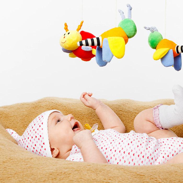 Yenidoğan Bebekler İçin Oyuncak Seçimi