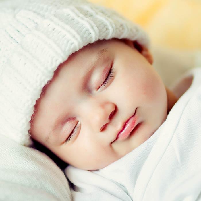 Yenidoğan Bebekler ve En Çok Merak Edilen 12 Soru
