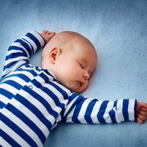 Yenidoğan Bebeklerde Düz Kafa Sendromu Belirtileri