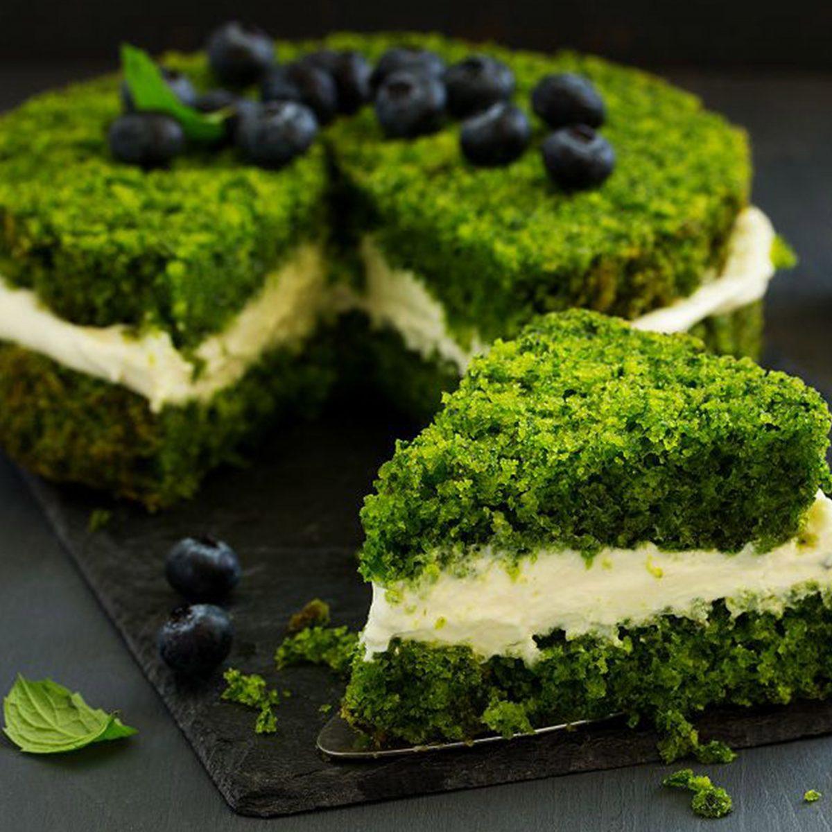 Ispanaklı Pasta Tarifi ile Gebeyken Gelen Tatlı Krizlerine Sağlıklı Çözüm