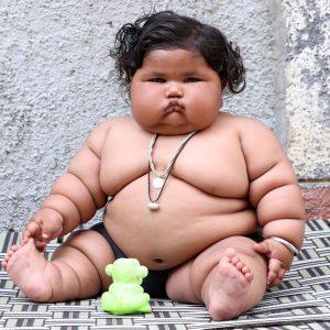 8 Aylık Ama 17 Kilo! Fazla Kilolu Bebek Chahat Kumar ile Tanışın