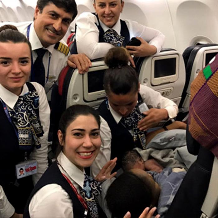 THY Uçağında 13 Bin Metrede Doğum!