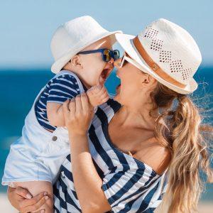 Yaz Aylarında Bebeğinizi Giydirirken Dikkat Etmeniz Gerekenler