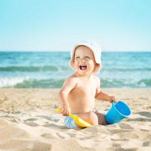 Kendisi Küçük, İhtiyaç Listesi Fazlasıyla Kabarık! İşte Bebekle Çıkılan Tatiller İçin İhtiyaç Listesi