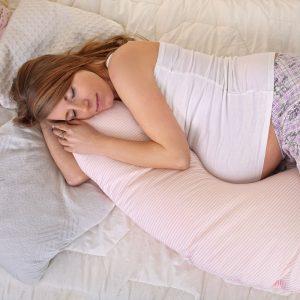 Hamilelik Döneminde Uyku Kalitenizi Arttırmak İçin Gebe Yastığından Yararlanabilirsiniz