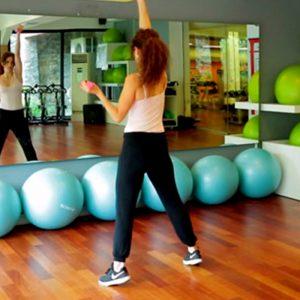 Aslıhan Kıratlı ile Kolları İncelten ve Sıkılaştıran Egzersiz Hareketleri