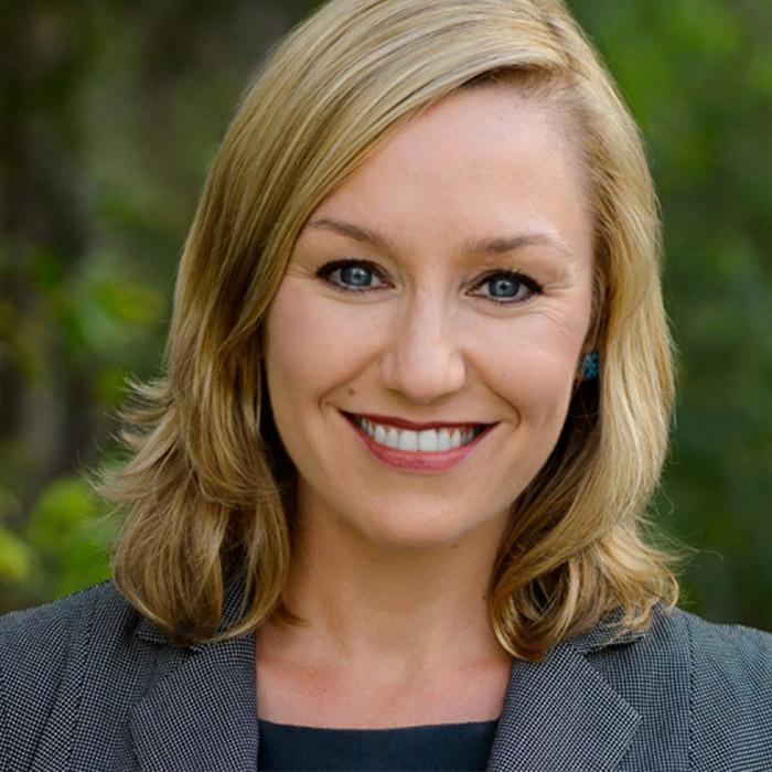 Larissa Waters Mecliste Konuşma Yaparken Bebeğini Emzirdi
