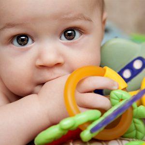 0-6 Aylık Bebekler İçin Oyuncak Seçimi