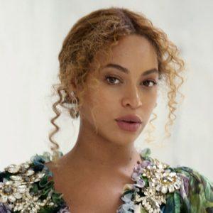 Beyonce İkiz Bebeklerinin ilk Fotoğrafını Paylaştı