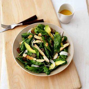 Yaz Gebelerinin Yemekten Keyif Alacağı 'Tavuklu Ispanak Salatası' Tarifi