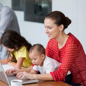 Çalışan Anneye Yeni Erken Emeklilik Formülü
