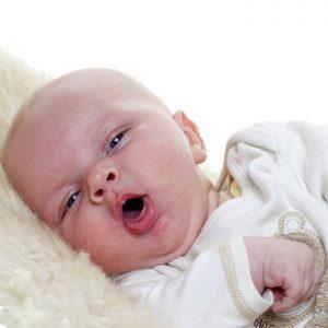 Bebeklerde Hırıltılı Öksürük Neden Olur? Hangi Sorunlara İşaret Eder?