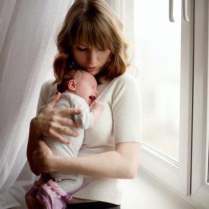 Bebeklerin Yataktan Düşmesi Hangi Durumlarda Tehlikelidir?