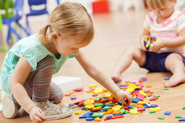 1 Yaş Grubu İçin Eğitici ve Eğlenceli 7 Oyun